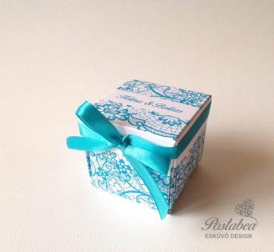 Csipkemintás dobozos esküvői meghívó kék