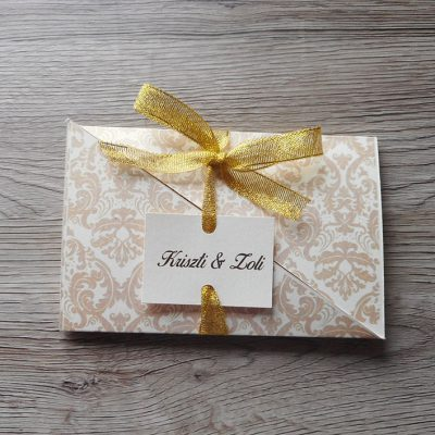 barokk mintás félbevágott esküvői meghívó
